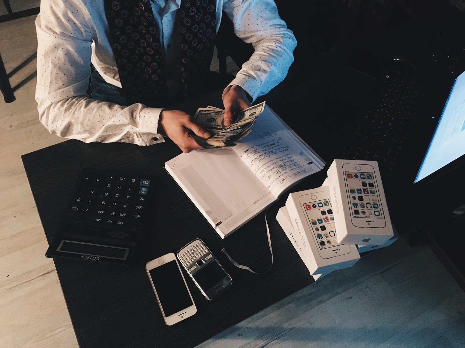How to Apply for Financial Agent Vacancies