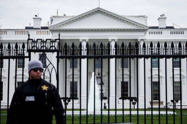 Find Out How Much the White House Security Guards Earn