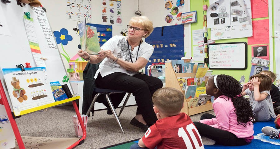 Check Out These Types of Careers in Childcare