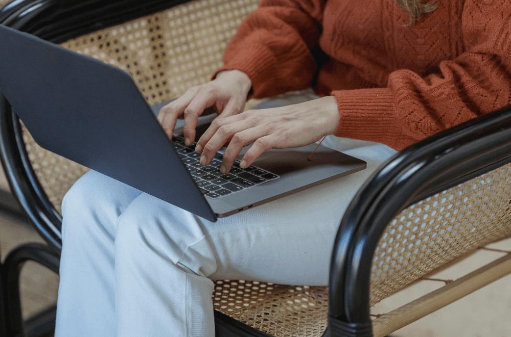 Freshersworld – Find A Job Online