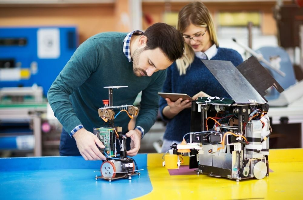 Learn About The 7 Top Robotics Careers